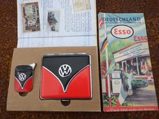 VW Bully Set - and Old ESSO map