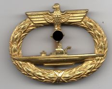 U boat war badge of an officer of the U 667 (Good luck)