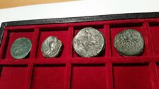 Greek Antiquity – Lot comprising 4 bronze coins, third century B.C. (20.62 mm to  26.70 mm)