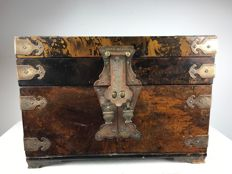 Wooden jewellery chest - China - mid 20th century