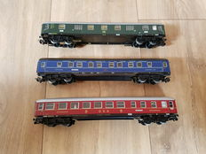 Märklin H0 - 4024/4029/4044 - Three fine passenger carriages of DB