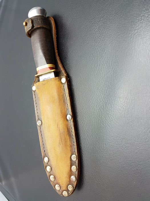 Knif - Puma  - in leather sheath