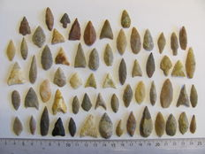 62 x Neolithic arrowheads - 17/37 mm (62)