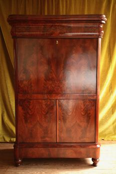 Sleek Biedermeier flower-mahogany secretaire a abattant - the Netherlands - ca. 1850