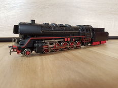 Märklin H0 - 3027.1 - Steam locomotive with pulled tender BR 44 of the DB