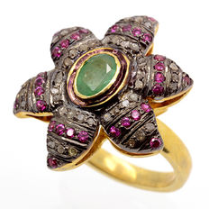 Tricolour silver ring 1x large Colombian emerald, 30x Vietnamese rubies and 42x diamonds