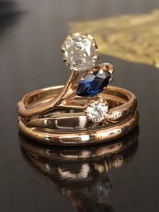 Rose, 18 kt gold, fantasy women's ring with diamonds, approx. 0.52 ct, H/VS/P and sapphire.