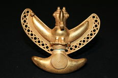 Pre-Columbian gold tumbago art - Pendant depicting open winged wings. 80mm x 70mm Quimbaya culture (500-1550 AD)