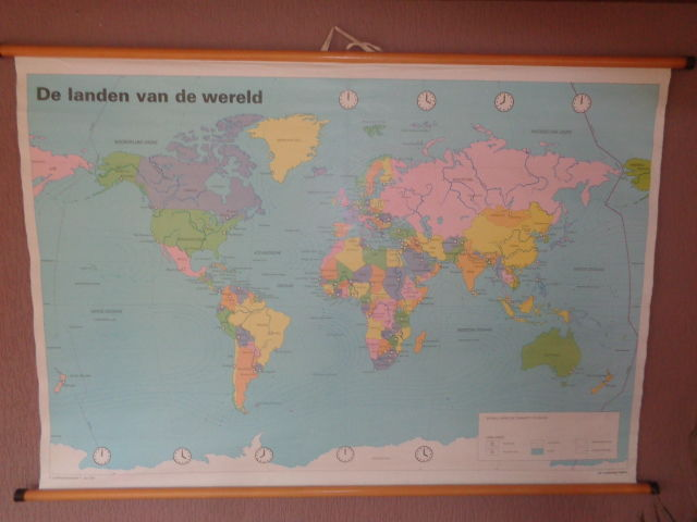 """Beautiful old Dutch world map of linen """"the countries of the world"""""""