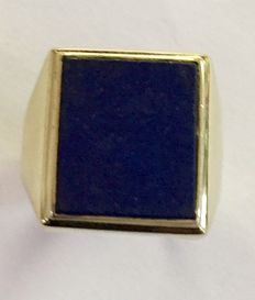 14 kt gold signet ring with lapis lazuli stone, size:  21.5 (67)