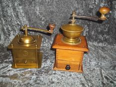 Old brass coffee grinder + old wood with brass coffee grinder - good condition.