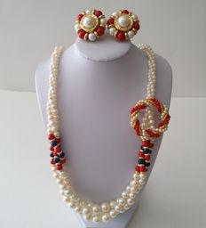 Vintage MARVELLA Faux Pearl Neklace Earrings and Brooch Jewelry Set