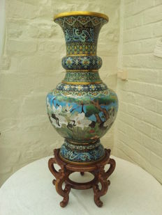 Large cloisonne vase with birds in lake - China - second half 20th century