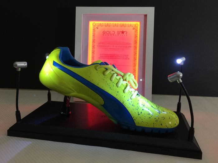 Usain Bolt Rio Olympics sports shoe signed Certificate of authenticity in an illuminated frame Original display case Catawiki