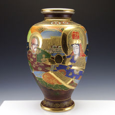 Porcelain Satsuma vase of Immortals with gilding and moriage - Japan - mid 20th century