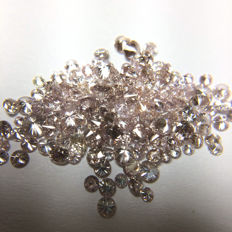 Pink diamonds 0.43ct in total.No reserve