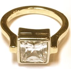 14k Gold Ladies ring with cubic zirconia - size 17,5 - no reserve price