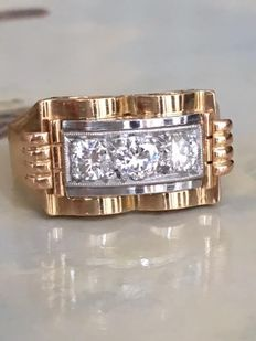 Late Art Deco platinum and 18 kt white gold ring with approx. 0.90 ct in diamonds, Top Wesselton/VS/SI