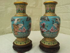 Two colourful cloisonné vases with birds and flowers - China - 2nd half 20th century