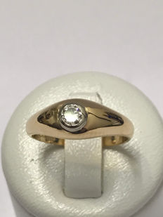 18 kt gold ring with a 0.25 ct Top Wesselton diamond.