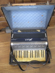 Accordion - HESS company, Klingenthal Sa. - Germany ca. 1930/1940