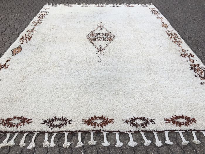 XXL BERBER from Morocco – 400 x 300cm – with certificate of authenticity – in very good condition!