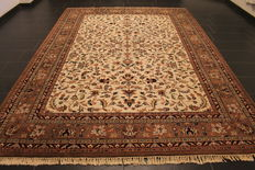Magnificent, hand-knotted, oriental carpet, Indo Nain, 240 x 340 cm, made in India, end of the 20th century