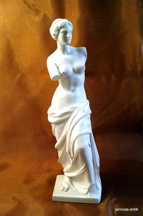 Alabaster figure - Venus by Arnaldo Gianelli Italy 20th century.