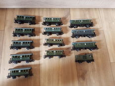 Märklin H0 - 4000/4002/4040 - 13 passenger carriages and a baggage carriage