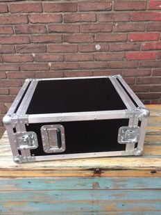 Heavy duty extra deep 5U flight case
