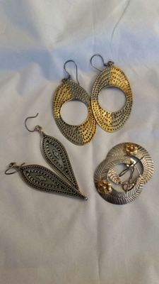 Lot of 3 pairs of earrings – silver-gilt