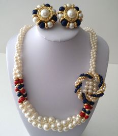 Vintage MARVELLA Gold Tone Faux Pearl Necklace Earrings and Brooch Jewelry Set