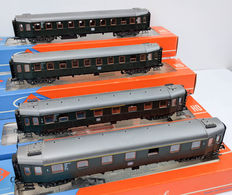 Roco H0 - 4289/4290/4291 - Four passenger carriages 'Hecht' of the DB