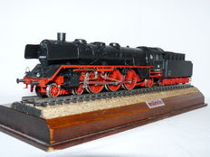 Märklin H0 - 3085 - Steam locomotive with pulled tender BR 003 of the DB