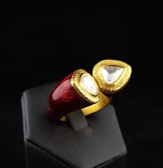 Contrariè ring from high quality jeweller in Delhi, North India, with teardrop diamonds. By Kundan Meen