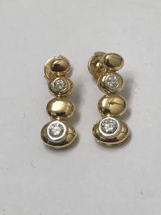 Gold earrings with 0.60 ct diamonds Top Wesselton 0.60 ct