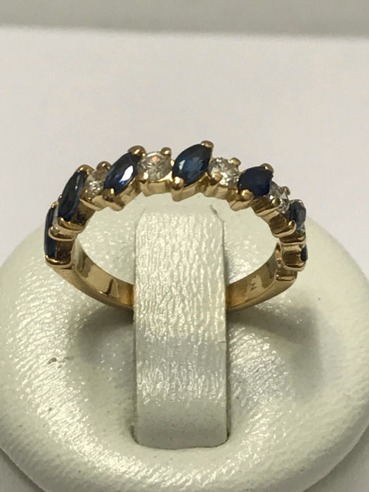 18kt gold half-band ring in diamonds and sapphire – size 50