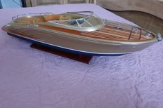 Large model of the boat Riva Aquarama, length 65 cm
