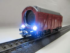 Märklin H0 – Video carriage in HD-resolution with 2 controlled LED-floodlights