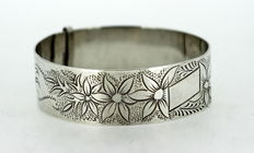 Solid Sterling Silver 925/1000 Bangle - ca.1950 - Size : 6.5 x 6 x 2.05 cm - Weight : 38 grams