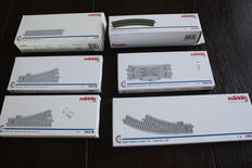 Märklin H0 - Package with 16 C-rails and 4 points sets