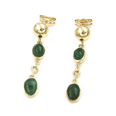 18kt yellow gold - Diamonds, 0.06 ct in total - Cabochon cut emeralds, 3.00 ct in total - Earrings: 30.30 mm (approx.).