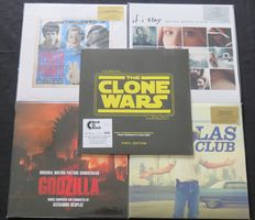 Star Wars (The Clone Wars) / Godzilla / Dallas Buyers Club / If I Stay / I Piaceri Proibiti: Great lot of 5 SOUNDTRACK-albums (8LP's), all on 180 gram vinyl. 4/5 limited, numbered editions on coloured vinyl (out of print!)