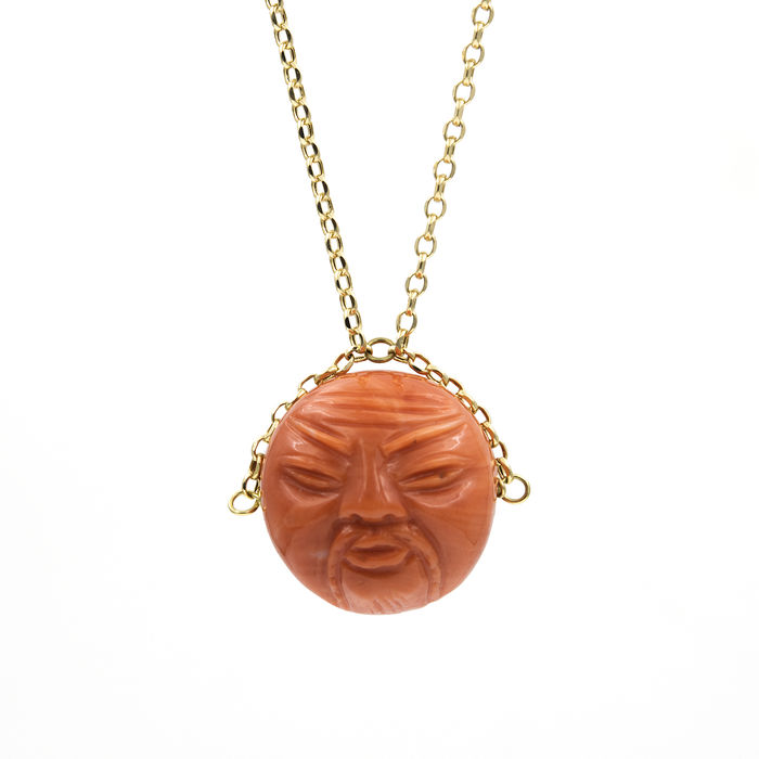 Choker with pendant in 18 kt yellow gold - Natural Pacific coral - Pendant measurements: Width: 17.50 mm (approx.) - Length: 20.50 mm