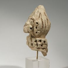 Terracotta head of an Syrian idol H. 6 cm