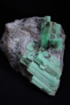 Natural Rare Emerald Gem Crystal - 75 x 61 x 21mm -  134gm