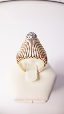 18 kt yellow gold ring with 13 diamonds weighing 0.15 ct - No reserve price