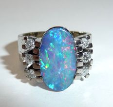 14 kt white gold ring with rainbow opal and 6 diamonds, ring size 51 / 16.2 mm - adjustable