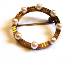 Antique brooch 585 FB gold with freshwater pearls 14 kt pin circle shaped