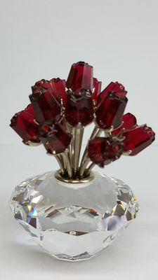 Swarovski - Vase with 15 Ruby Red Roses, with rhodium stems.